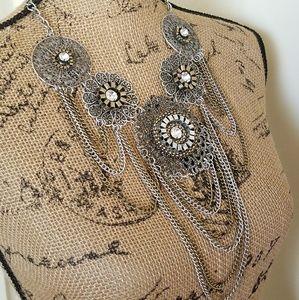 Jewelry - Mixed metal statement necklace w/rhinestones